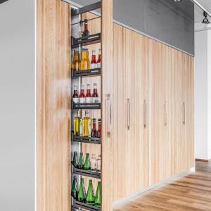 Wysokie cargo tworzy nowe możliwości przechowywania w kuchni. Fot. Peka