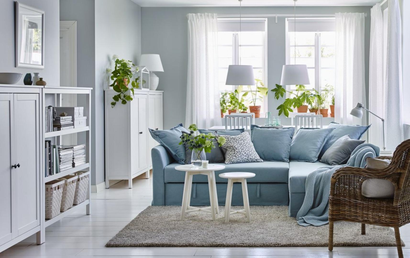 Niewielki narożnik - idealny do małego salonu. Fot. IKEA