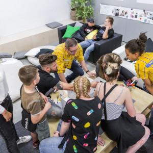 """IKEA wsparła program """"Pozytywni na Start"""", realizowany przez SPS Riposta. Fot. IKEA"""
