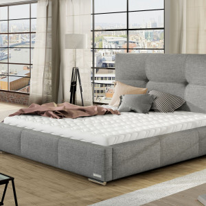 Łóżko tapicerowane wprowadza przytulny klimat. Fot. Comforteo