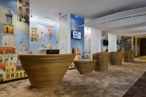 Zobacz, jakich mebli użyto w poznańskim Novotel Centrum