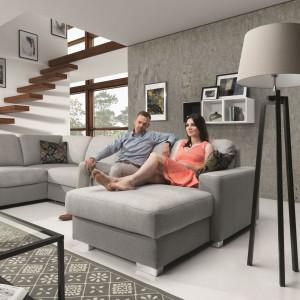 """""""Chantal"""" firmy Stagra to nowoczesny system składający się z 29 elementów, z których można złożyć puf, fotel, sofy czy narożniki. Fot. Stagra"""