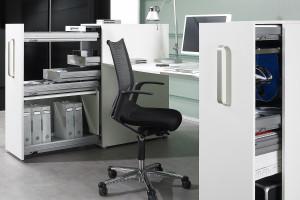 Meble biurowe: jak zapewnić porządek w biurze?