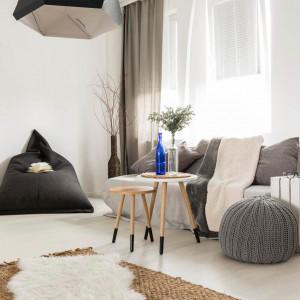 Palety, które będą nadawały się do samodzielnego zrobienia łóżka, to palety o wymiarach 120x60 cm. Fot. Drewnochron