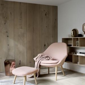 Fotel z podnóżkiem firmy BoConcept. Fot. BoConcept