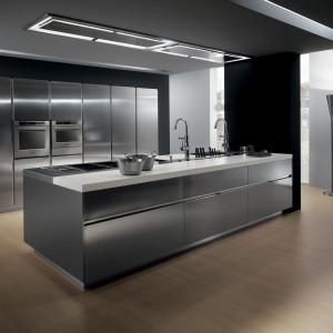 Szara kuchnia w chłodnym klimacie laboratorium. Fot. Ernestomeda