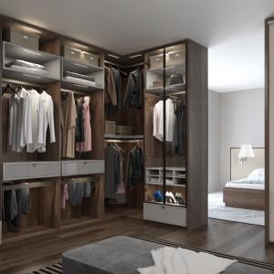 Do garderoby można wchodzić z sypialni lub korytarza. Fot. Komandor