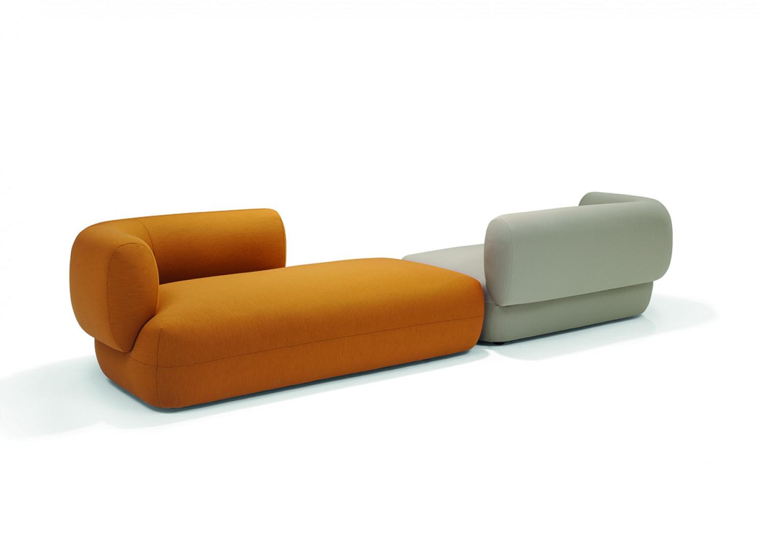 "Sofa ""Arp"" firmy Linteloo. Projekt: Sebastian Herkner. Fot. Linteloo"