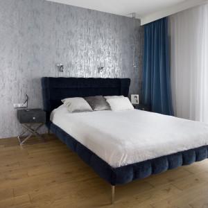 Sypialnia w błękitach. Fot. Pracownia Kaza