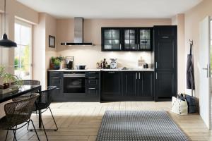 Kuchnia o ciemnych frontach - dlaczego warto taką wybrać?