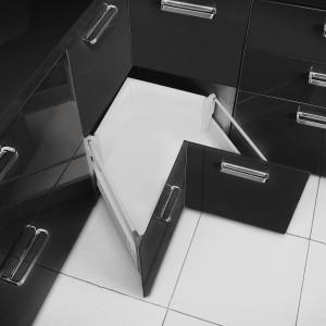 Specjalna szuflada pozwoli wykorzystać miejsce w narożniku. Fot. GTV