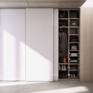 Szafę na wymiar można dopasować do gabarytów dowolnego pomieszczenia. Fot. Komandor