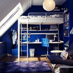Skosy dobrze wyglądają w pokoju młodzieżowym. Fot. IKEA