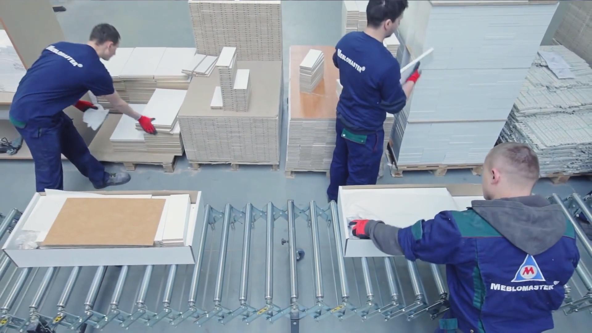 Pakowanie i konfekcjonowanie mebli