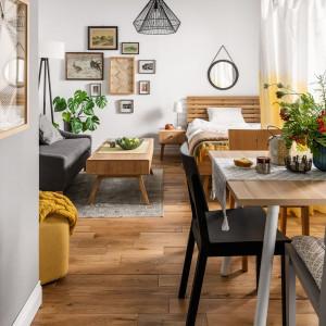 Stół Balance, krzesła Simple. Fot. Vox