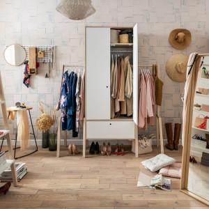 Mikrokosmos to styl życia, który mówi o potrzebie spędzania czasu w domu w pojedynkę. Jest to przestrzeń, kąt, nawet niewielki pokój, który będzie azylem, urządzonym tak, by domownik czuł się w nim swobodnie, naprawdę u siebie. Fot. Vox