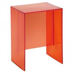 Stołek (ewentualnie niewielki stolik)