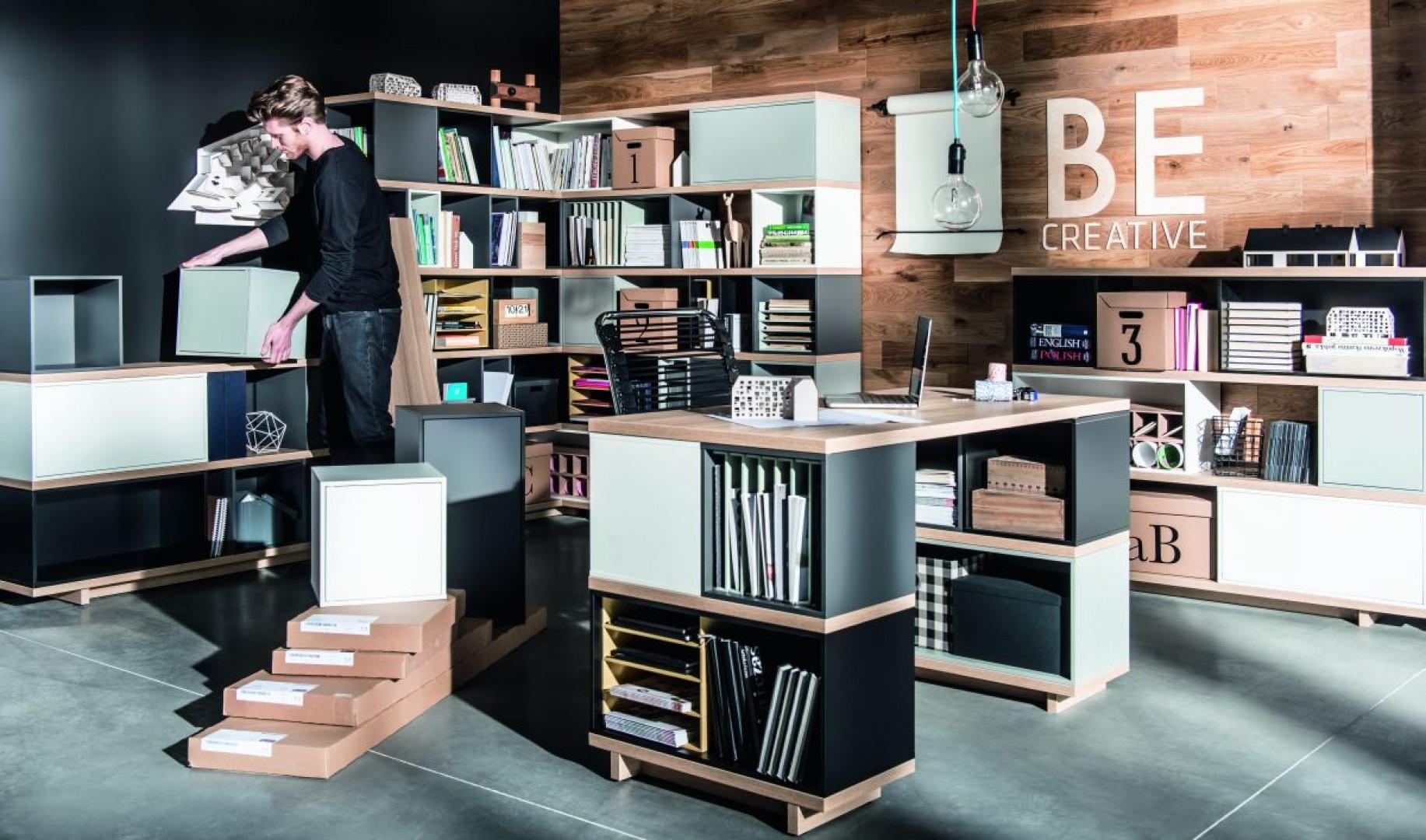 Kolekcja Balance firmy Vox to system intuicyjny, którego wygląd i użyteczności zależą wyłącznie od wyobraźni użytkownika. Fot. Vox