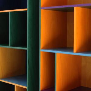 """System """"Modern"""" włoskiej firmy Porro daje szerokie możliwości kreowania wyglądu regału. Fot. Porro"""
