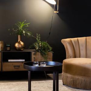 Same lampy wiszące to zdecydowanie za mało. Konieczne są jeszcze lampy podłogowe, stołowe i kinkiety – im ich więcej, tym lepiej. Fot. Dutchhouse
