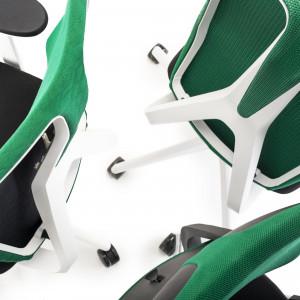 Krzesła Denuo, projekt: Daniel Figueroa. Fot. Grupa Nowy Styl