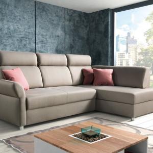 Beżowa sofa Plato. Fot. PMW