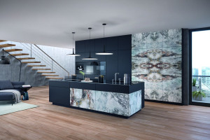 Wyspa kuchenna zdobiona kamieniem - pomysł na klasyczne i nowoczesne wnętrza