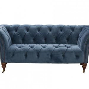 Sofa typu chesterfield. Fot. Dekoria.pl