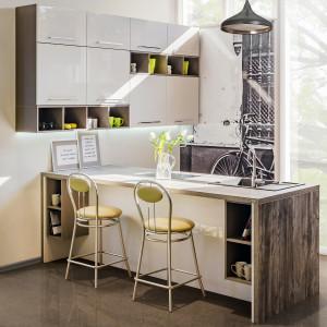 Nawet w małej kuchni można zaplanować wyspę lub półwysep. Kuchnia KAMPlus. Fot. KAM Kuchnie