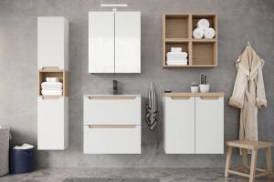 Otwarte półki w łazience - wady i zalety