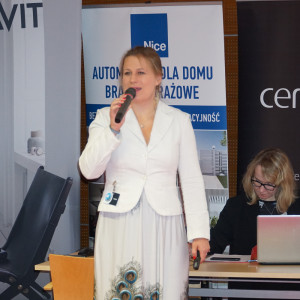 Prezentacja Katarzyny Tworek z firmy Aurora Technika Świetlna.