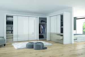 Jak efektywnie zagospodarować narożniki w garderobie?