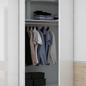 Wygodny dostęp do szafy narożnej zapewnią drzwi składane. Fot. Hettich
