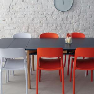 Stół Zeen z rozkładanym blatem. Fot. Ragaba