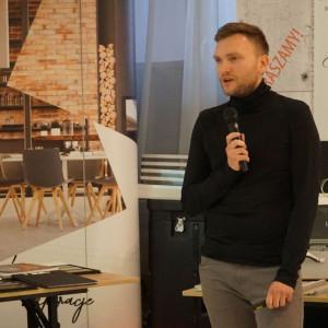 Paweł Biedrzycki, założyciel pracowni Kąty Proste, mówił o fotografii wnętrz i architektury..