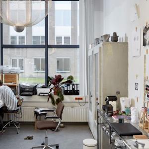 Rick Tegelaar w swoim warsztacie. Fot. Ronald Smits