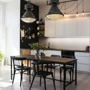 Mieszkanie w kamienicy. Proj. Artes Design i SZARA/studio