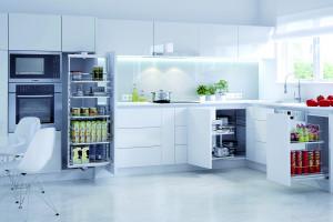 Kolory w kuchni - jak dobrać akcesoria do szafek?