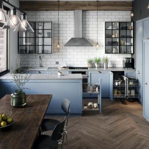 W dobrze zaaranżowanej kuchni akcesoria są dopasowane do koloru mebli. Fot. Rejs