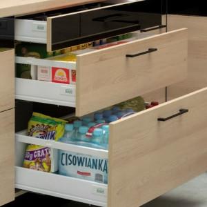 Organizery stosowane w szufladach są nieocenionym elementem funkcjonalnej kuchni. Fot. Kam