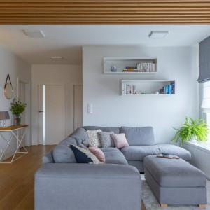 Warszawskie mieszkanie zaaranżowane w skandynawskim stylu hygge. Projekt: Zuzanna Kuc