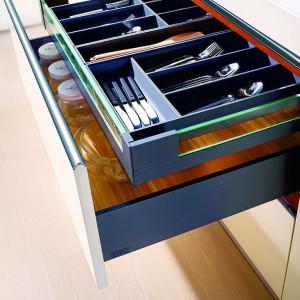 """""""SB Slim Box"""" to nowoczesnej konstrukcji systemy do zabudowy szuflad."""