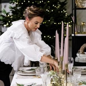 Aranżacja świątecznego stołu przygotowana przez Katarzynę Sokołowską na specjalnej ekspozycji w Domotece. Fot. Domoteka