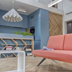 Kolorystyka sofy LCD firmy Noti (projekt: Renata Karalus) wpisuje się w najnowsze tegoroczne trendy. Fot. Noti