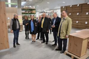 Wizyta ministra w fabryce grupy meblowej Szynaka