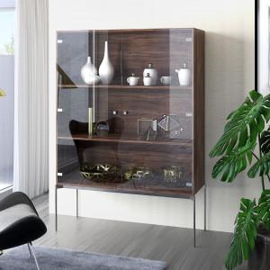W przypadku frontów wykonanych ze szkła zawias będzie widoczny nie tylko po ich otwarciu, ale również z zewnątrz, dlatego musi wyróżniać się bardzo atrakcyjnym designem, wręcz być jego ozdobą. Fot. Hettich