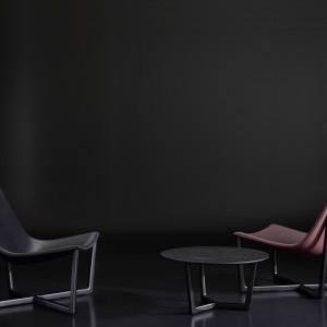 Krzesła i stolik z kolekcji
