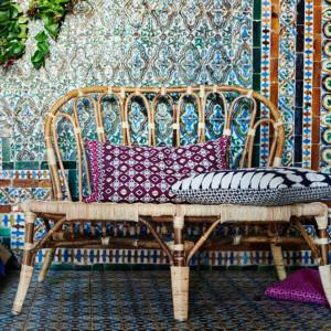 Styl boho przypomina nieco patchwork, dlatego bez trudu można osiągnąć pożądany efekt, mieszając różne dodatki aranżacyjne.  Fot. IKEA