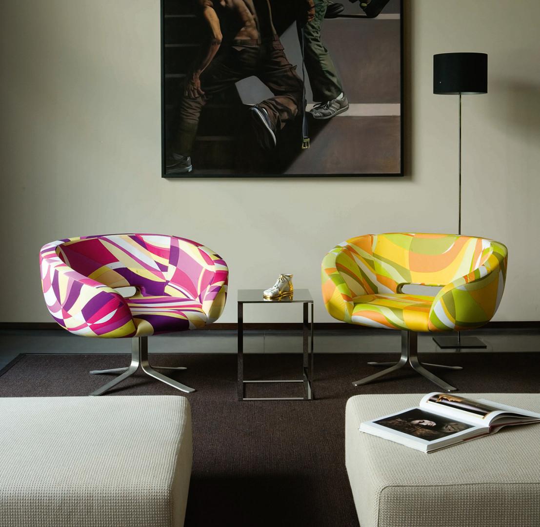 Fotele z serii Rivedroite firmy Cappellini. Projekt: Patrick Norguet. Fot. Cappellini