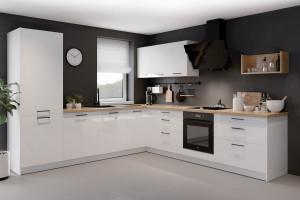 Wyższe szafki wiszące w kuchni – sposób na małą przestrzeń